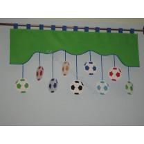 Firana dla dzieci z zawieszkami Piłki - szal zielony