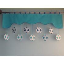 Firana dla dzieci z zawieszkami Piłki - szal turkusowy