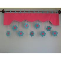Firana dla dzieci z zawieszkami Kwiatki stokrotki różowo turkusowe - szal ciemno różowy