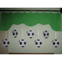 Firana dla dzieci z zawieszkami Piłki czarno białe - szal zielony