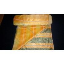 Organtyna kreszowana w pomarańczowe i beżowe pasy. szer. 280 cm , cena za 1 mb - wyprzedaż